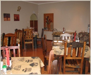 Dining room at Mopani Bed & Breakfast